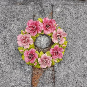 Ceramic wreath